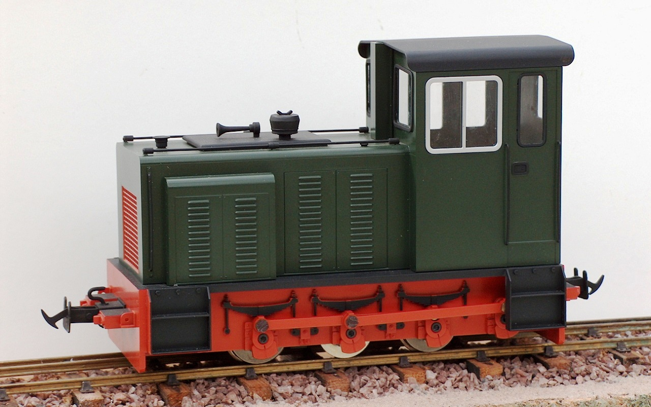 16mm To Inches >> BAGULEY DREWRY 0-6-0 Diesel | Accucraft UK Ltd